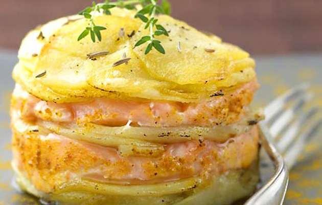 Ricetta Salmone Con Patate Al Forno.Salmone E Patate Al Forno Ricette In 30 Minuti