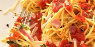 spaghetti veloci speck pomodoro