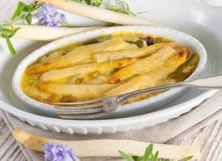 comu cuocere gli asparagi bianchi