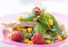 insalata pollo lamponi spinaci e mais