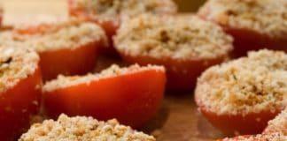 Pomodori rossi gratinati pangrattato e alici