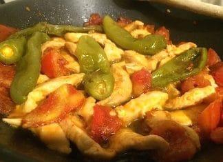 straccetti di pollo e peperoni