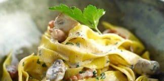 tagliatelle funghi freschi pancetta e mascarpone