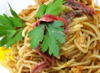 spaghetti acciughe