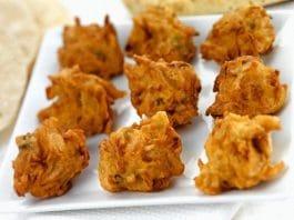frittelle indiane con cipolla