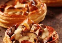 Crostatine salate sfoglia funghi formaggio