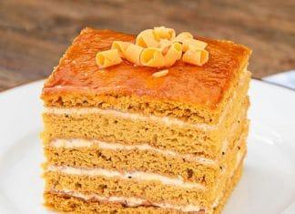 torta facile e veloce con il miele e cioccolato bianco