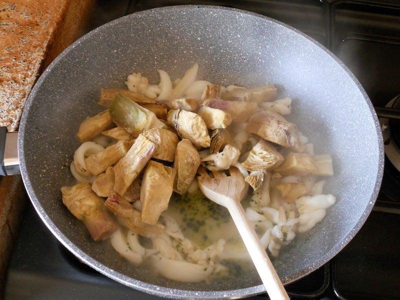 Carciofi e seppie in umido ricetta