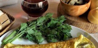 Omelette ai carciofi e scamorza affumicata