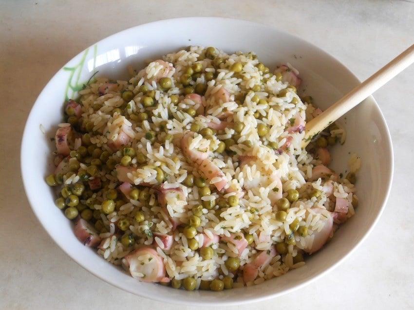 riso freddo-Insalata di riso con totani e piselli