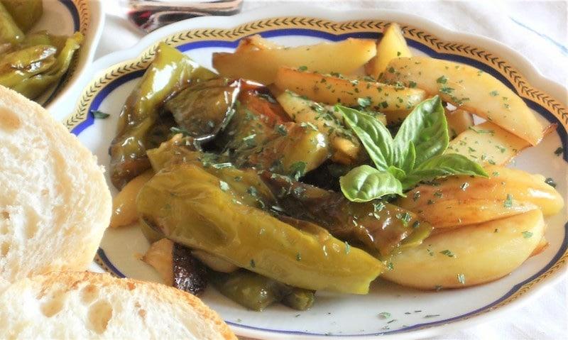 Peperoni verdi friggitelli e patate ricetta in 30 minuti for Cucinare friggitelli