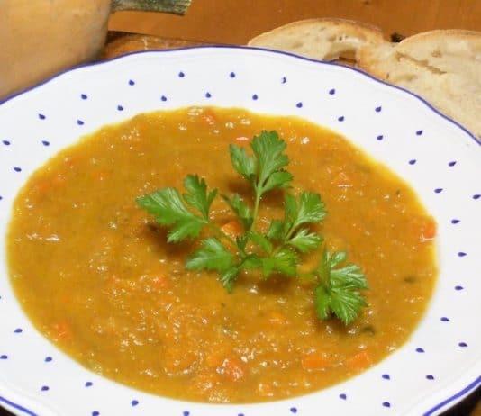 Crema di zucca piccante con salsa al curry