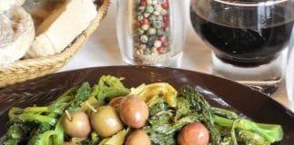 Broccoletti e porri in padella con olive