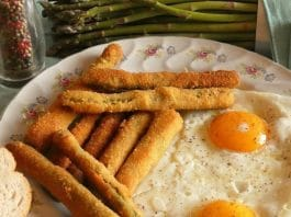 Asparagi dorati e panati con le uova