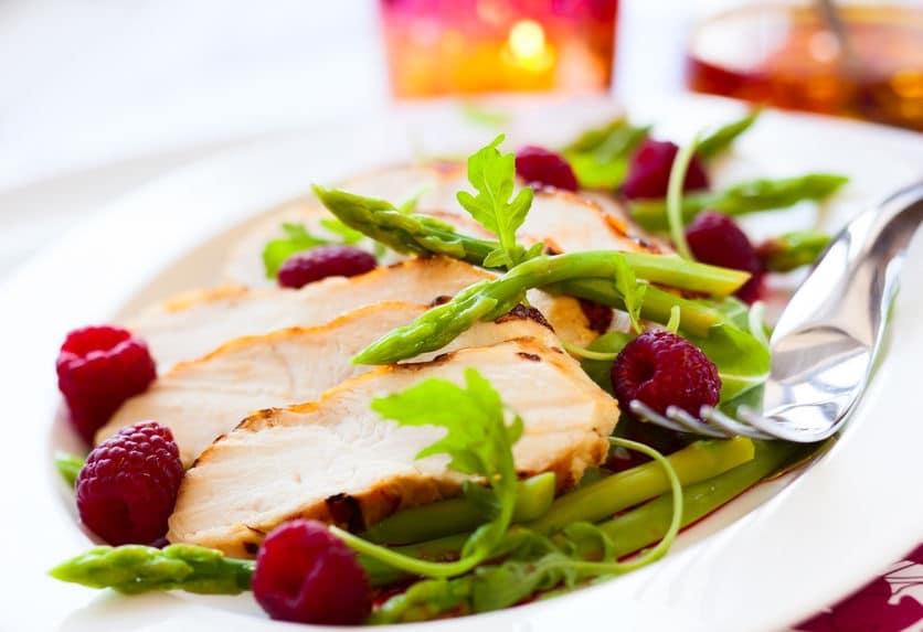 insalata di pollo e asparagi semplice veloce
